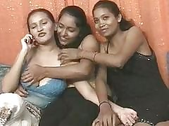 Foursome porn : screaming orgasm